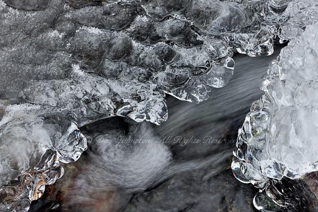 Flowing water and ice formations