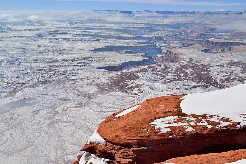 Snowy landscape at Green River overlook, Canyonlands Nationa Park, Utah, USA