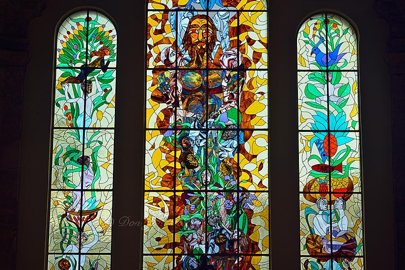 Iglesia San Francisco de Paul - Stained glass interior